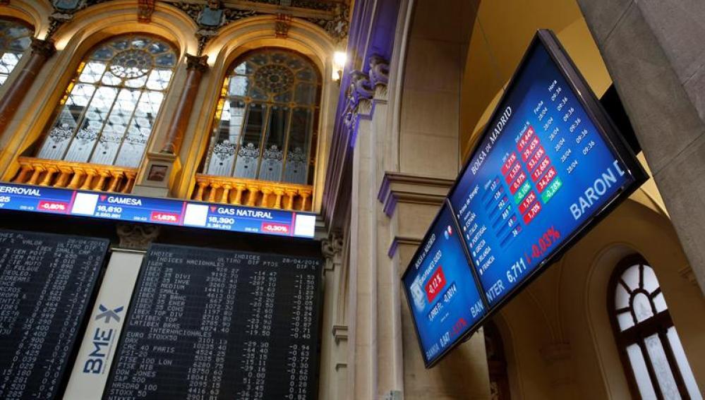 El principal indicador de la bolsa española, el IBEX 35, ayer en la bolsa de Madrid