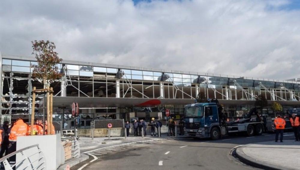 Vista de la fachada exterior del aeropuerto de Bruselas-Zaventem