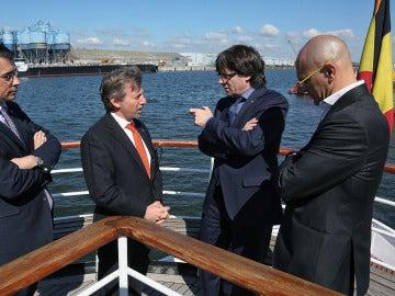 Puigdemont y Romeva, en le puerto de Gante