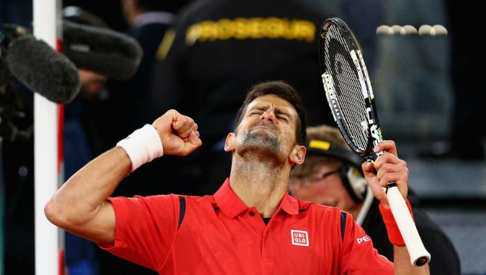 Djokovic celebra su triunfo ante Nishikori