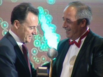 Matías Prats recibe el premio 'El Suplemento'