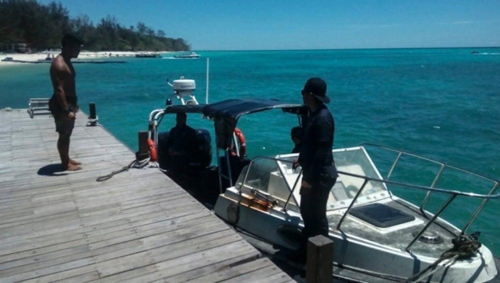 Embarcación de búsqueda en Malasia