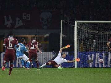 Gonzalo Higuaín en el momento de su gol