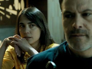 Helena es una poli infiltrada en Cruz del Sur que tuvo una relación con Fabio