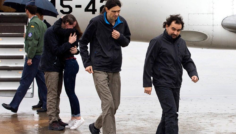 Los tres periodistas llegan a Torrejón