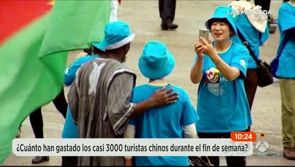 Frame 5.528271 de: chinos