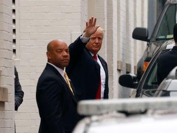 Donald Trump a la salida de la reunión