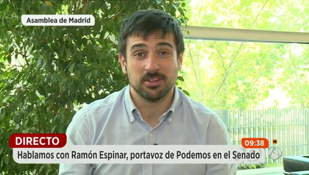 """Frame 22.413813 de: Ramón Espinar: """"Tenderemos la mano al PSOE hagan lo que hagan en el Senado"""""""