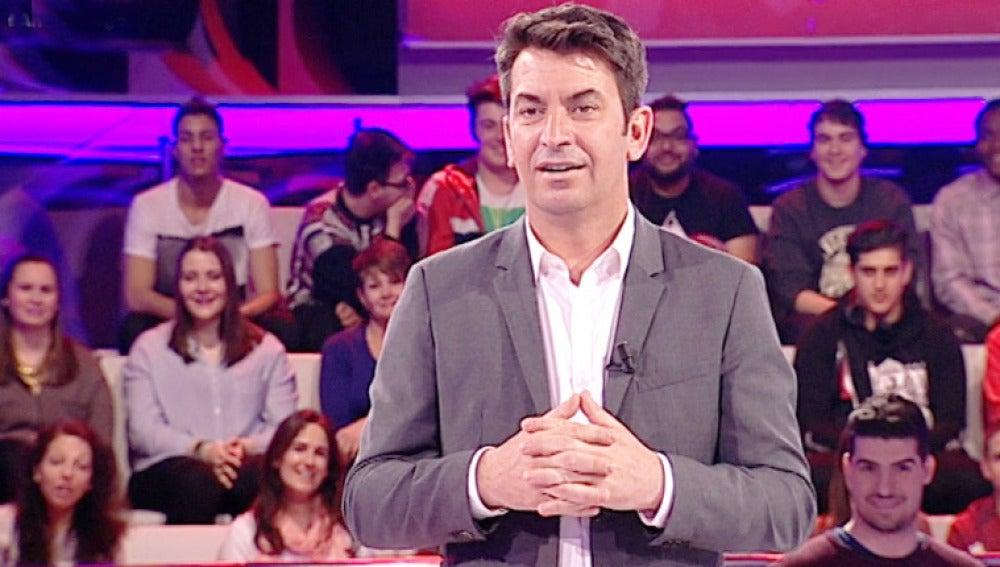 Josep Pedreroll se cuela en el plató de 'Ahora Caigo'