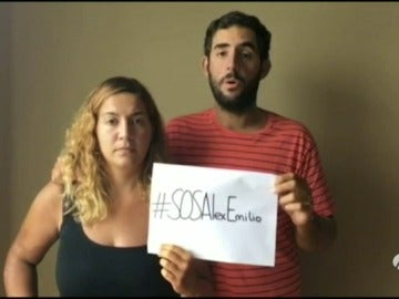 Frame 87.993858 de:  Los españoles rescatados en Malasia piden ayuda para los dos navegantes asturianos desaparecidos