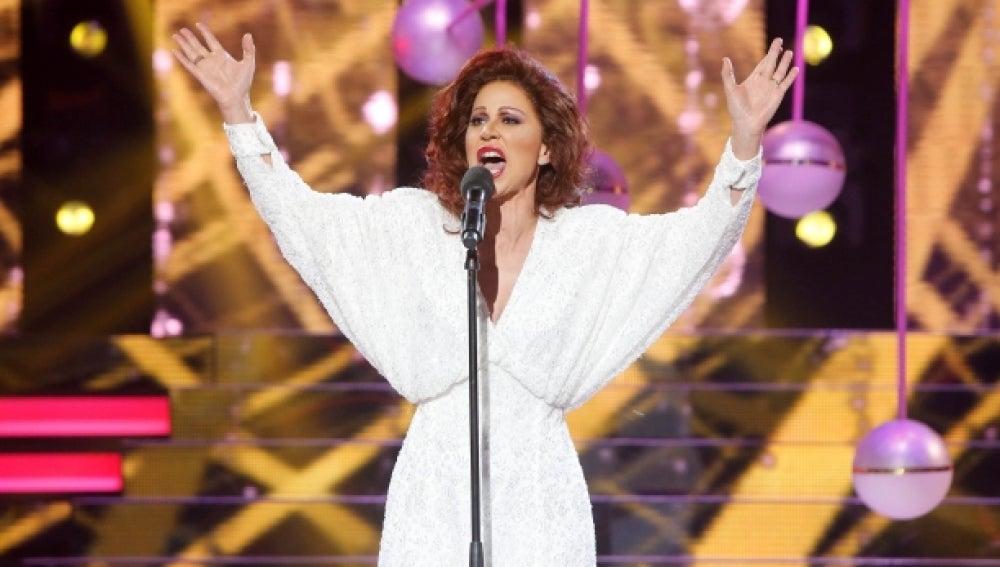 Vicky Larraz imita a Paloma San Basilio y canta 'La fiesta terminó'