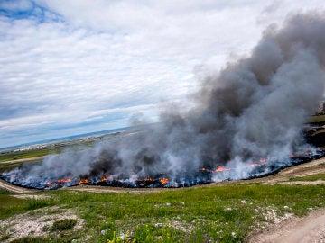 Vista del incendio de neumáticos en Seseña (Toledo)