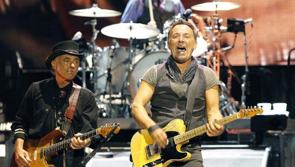 El músico y cantante estadounidense Bruce Springsteen durante el concierto