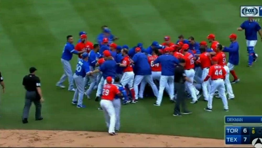 Brutal pelea en la MLB
