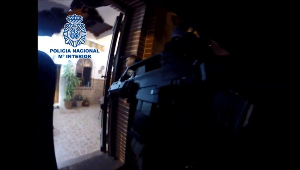 Frame 27.828093 de: Detenido un joven en Ceuta tras un tiroteo con la policía