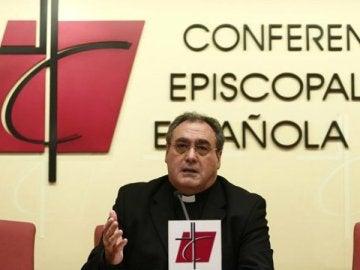 El portavoz y secretario general de la Conferencia Episcopal Española (CEE), José María Gil Tamayo