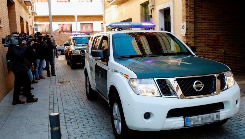 Un vehículo de la Guardia Civil