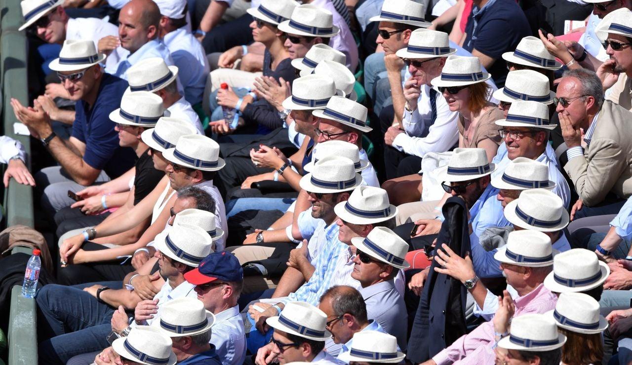 Espectadores de Roland Garros en la Philippe-Chatrier