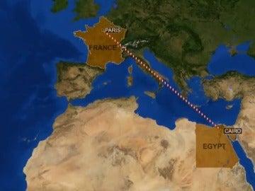Frame 11.768281 de: El avión de la compañía EgyptAir con 66 personas a bordo se ha estrellado cerca de la isla griega de Karpathos