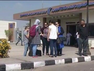 Frame 101.129758 de: Angustiosa espera de los familiares en Egipto