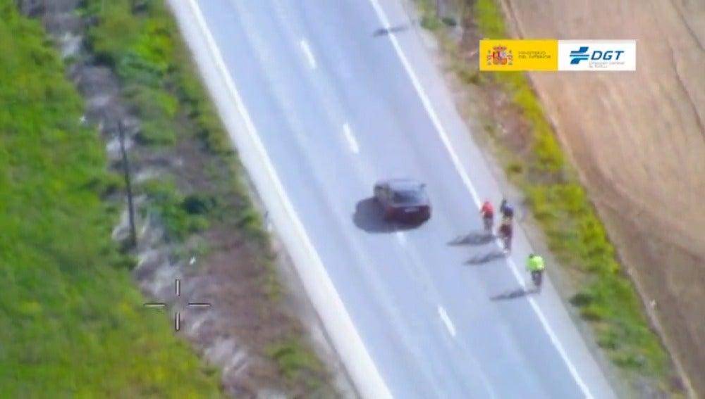 Frame 11.298977 de: Nueva campaña de la DGT dirigida a los ciclistas