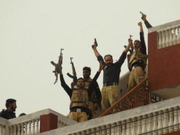Terroristas en Pakistán