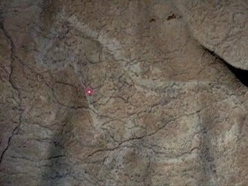 """Frame 5.028348 de: Descubierto en Vizcaya un """"santuario"""" con al menos 70 grabados rupestres"""