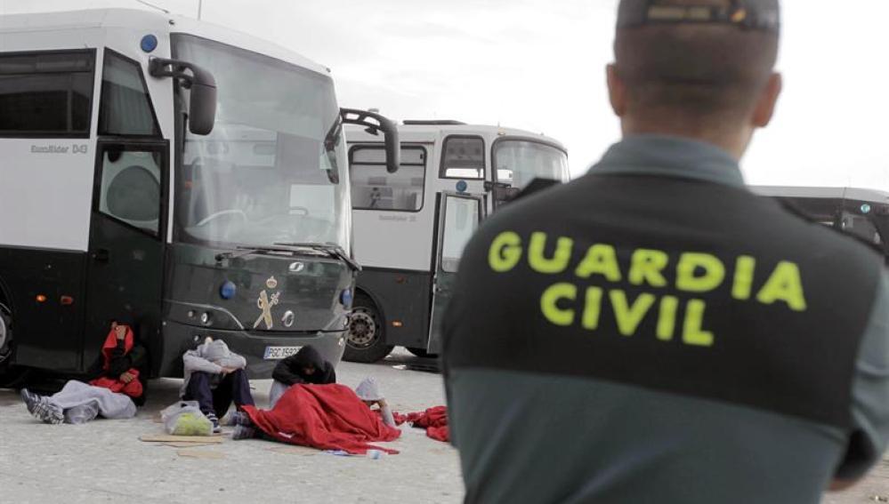 Operación de rescate de inmigrantes por parte de la Guardia Civil