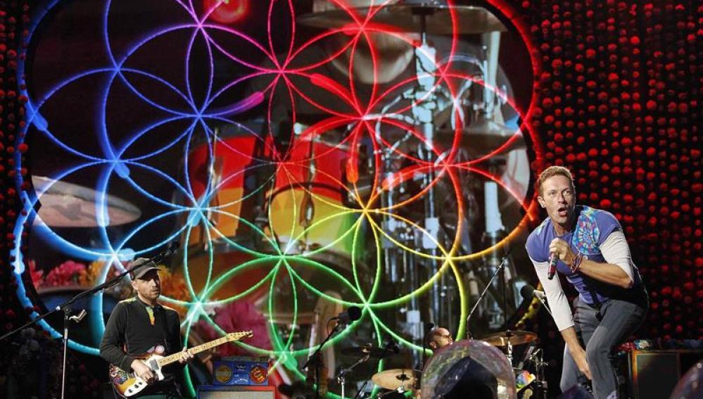 Chris Martin derrochó energía en el concierto de Barcelona.