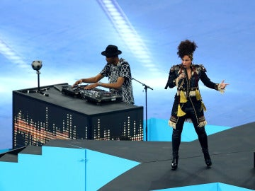 Alicia Keys abrió el show de la final de la Champions League