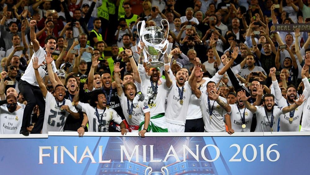 Ramos levanta la Undécima al cielo de Milán