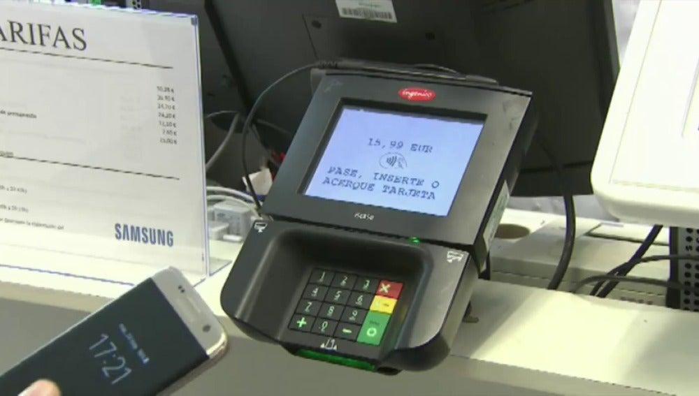 Frame 0.0 de: España, primer país europeo en utilizar el servicio de pago móvil Samsung Pay