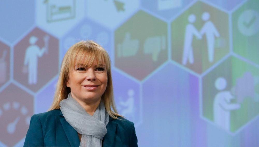 La comisaria de Mercado Interior, Industria, Emprendimiento y Pymes, Elzbieta Bienkowska