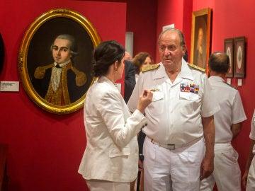 El Rey Juan Carlos, con su uniforme de la Armada