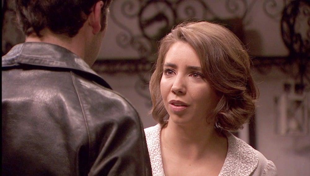 Emilia sorprendida tras el chantaje del Intendente