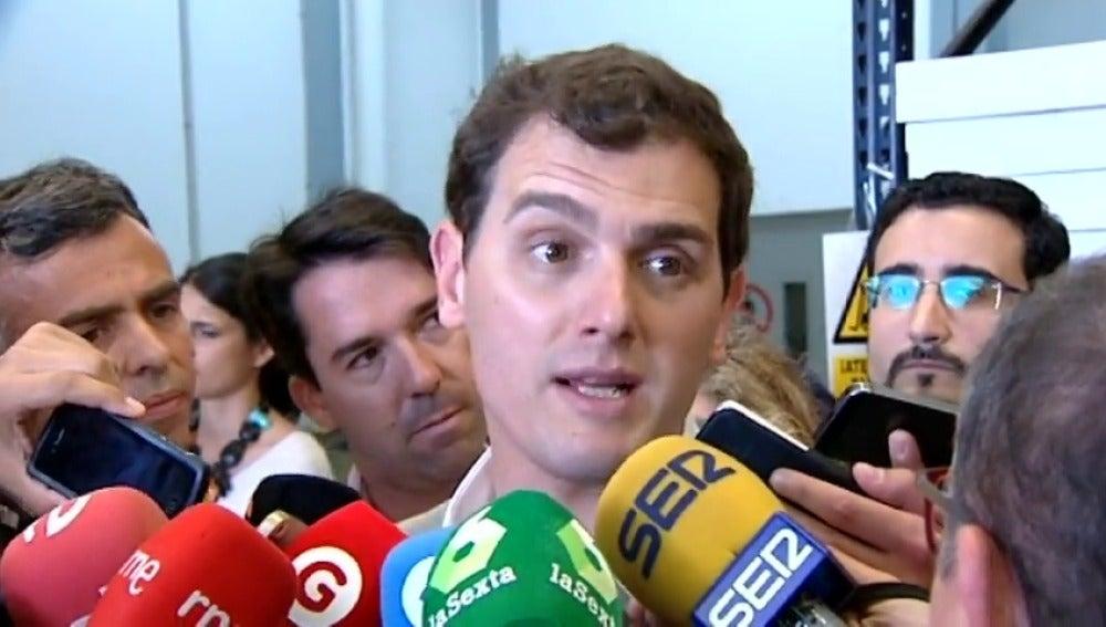 """Frame 11.394974 de: Rivera pide a Aznar y González """"remar en la misma dirección"""" tras el 26J"""