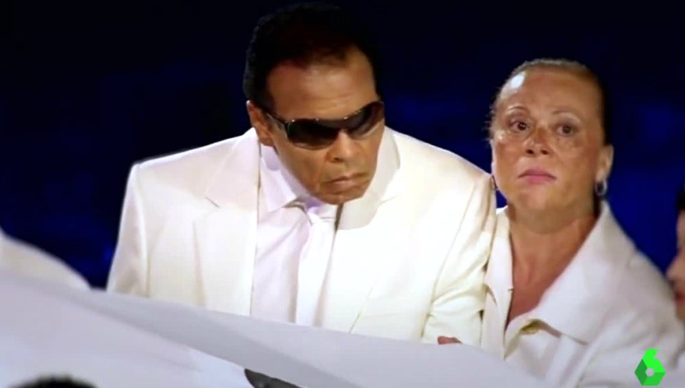 Ali, en la apertura de los JJOO de 2012