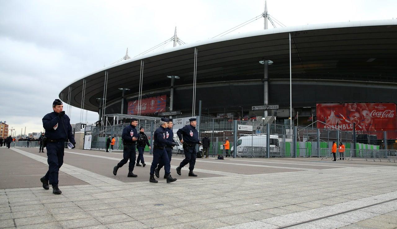 Alrededores de un estadio en París