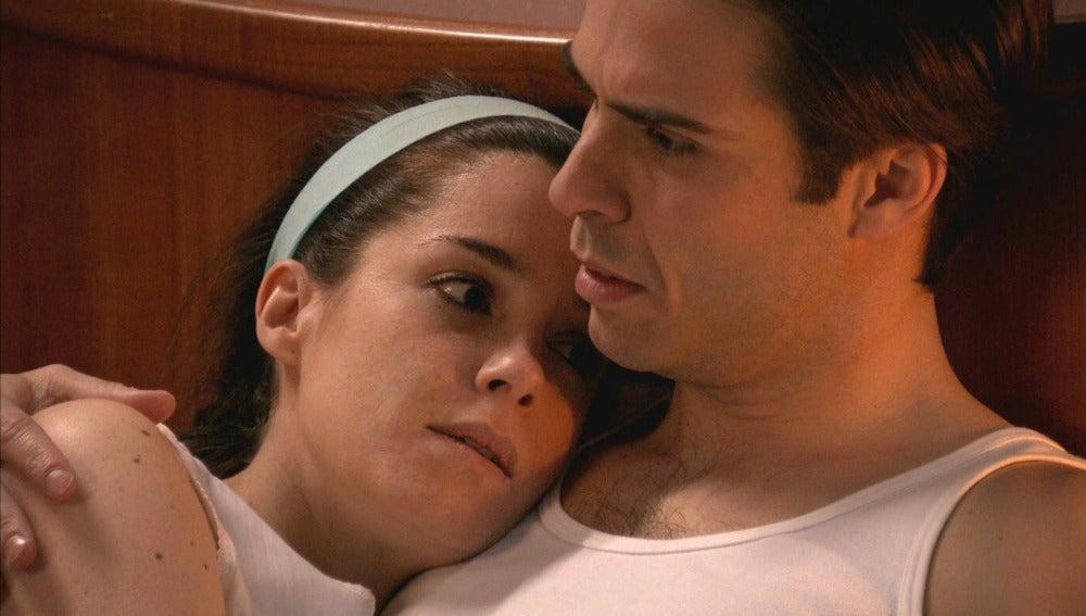 Clara se avergüenza con Nicolás