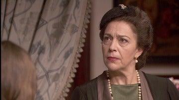 Francisca Montenegro con el semblante serio