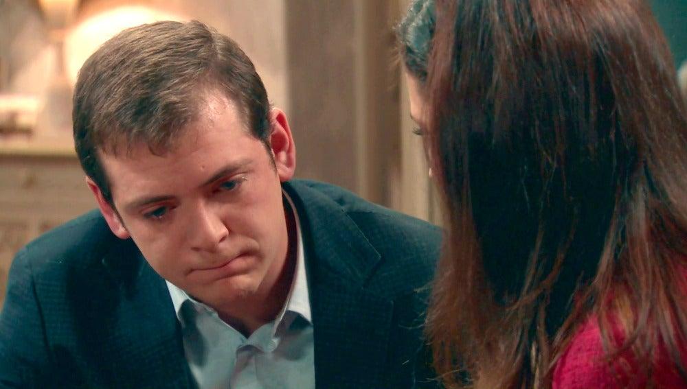 Sofía angustia a Guillermo al hablarle de boda