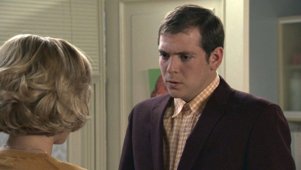 Carlota le cuenta a Guillermo el secreto de Sofía