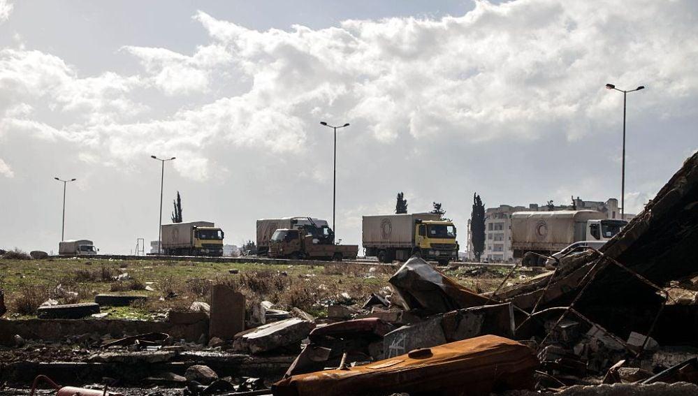 La ayuda humanitaria llega en camiones