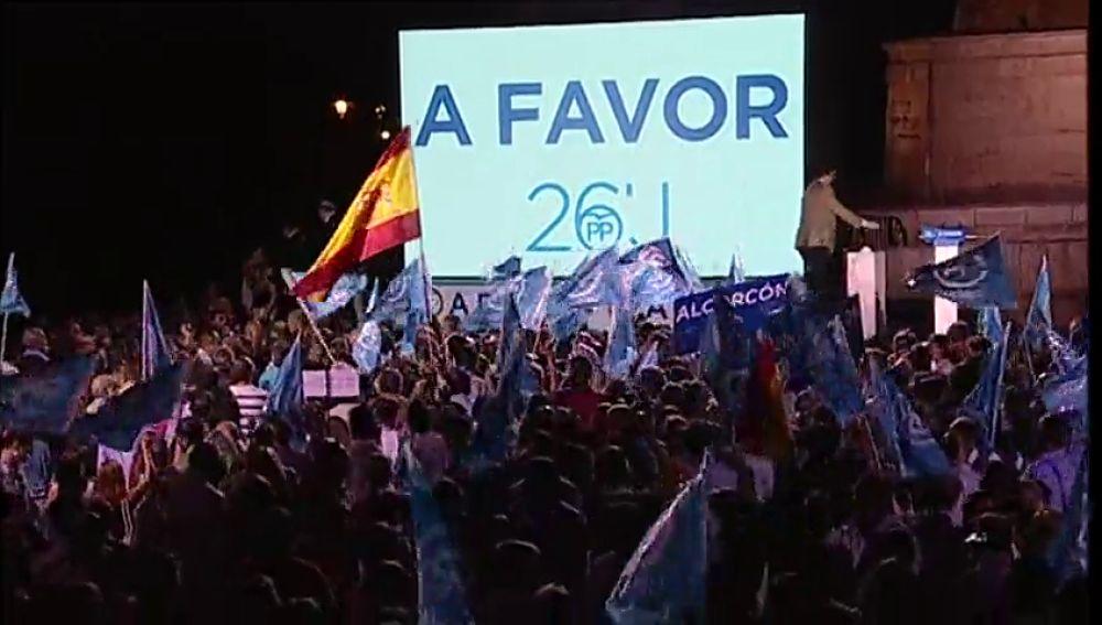 Frame 14.803436 de: Los partidos lanzan la batalla por el voto de los indecisos