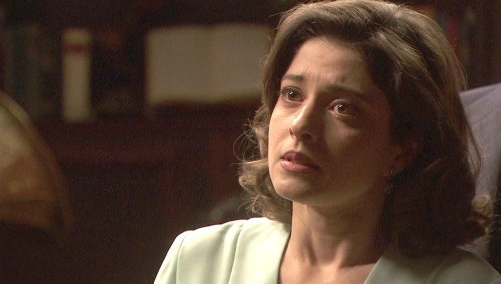 Candela confiesa a Severo estar esperando un hijo