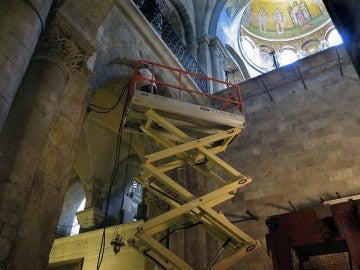 La tumba del Cristianismo se cubre de andamios para recuperar su valor