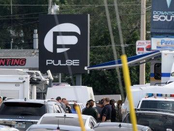 Al menos 50 muertos y 53 heridos en el tiroteo en un club gay de Orlando