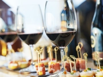 Catering copas de vino Mediterránea