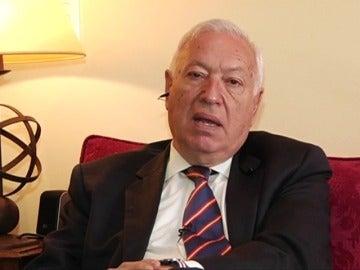 """Frame 25.436409 de: Margallo: """"por ahora no hay noticias de víctimas españolas"""""""