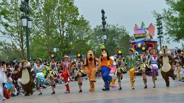 Desfile de inauguración del parque